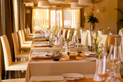 Restaurant, Restaurant Table, Tablescape, restaurant rentals , restaurant linen rentals, Restaurant Table Linen, Table Linens, Tablecloth