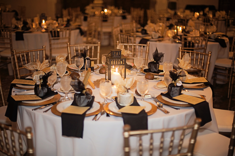 Holiday party linen, linen rental